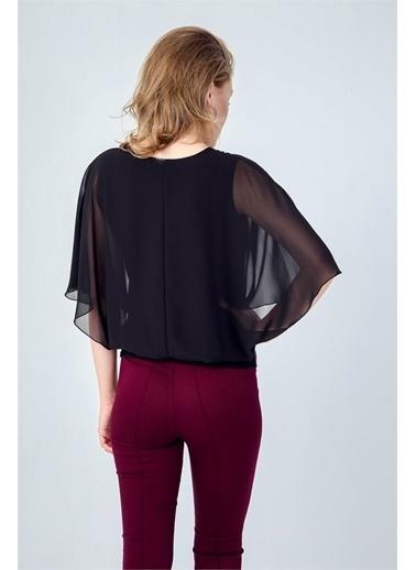 Jument Düz Şifon Detaylı Kayık Yaka Yarasa Kol Bluz - Fuşya Siyah